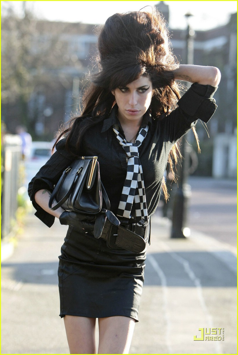 amy-winehouse-going-to-rehab-01.jpg